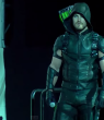 new-arrow-costume-revealed-at-comic-con-stephen-amell