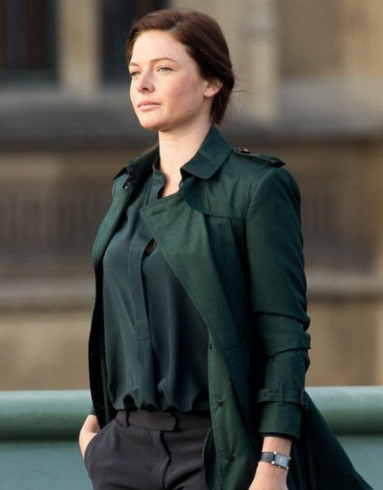Rebecca-Ferguson Green-Coat-Mission-Impossible-5