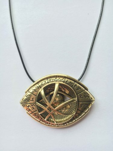 The_Eye_Of_Agamotto_Necklace